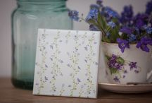 Floral Tiles - Ceramic Wall Tiles with Flower Designs / Decorative wall tiles, single flowers or patterned tiles which can be placed together to create statement patchwork patterns. Vintage style floral home decor for kitchens and bathrooms.