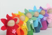 petit monde féerique: les poupées de bois, peg dolls