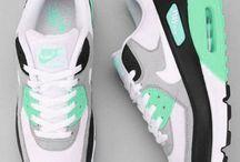 Sneakers/runners
