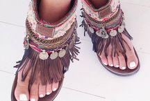 Boho, Gypsy & Batik/Lurik Style.