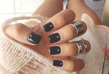 black nails❤