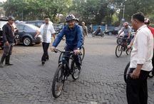 Wagub Pimpin Kerja Bakti di Tugu Proklamasi / Wakil Gubernur DKI Jakarta, Djarot Saiful Hidayat memimpin kerja bakti membersihkan area Tugu Proklamasi, Jakarta Pusat, Jumat (07/08/2015). Kegiatan ini dilakukan dalam rangka menyambut HUT ke-70 Republik Indonesia.