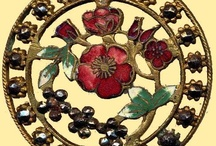 Ceramic/Porcelain/Enameled Buttons / - Ceramic buttons were strong but fragile, and much less common than glass so are now rare and collectible (Ruskin Art Pottery and utilitarian china's)  - Porcelain Button - Enameled Buttons