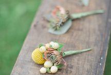 bouquets + boutonnieres / by Bekki Witt