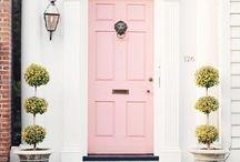 DOOR TOUR / Colorful front door inspiration.