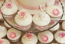 Wedding Cupcakes / Wedding Cupcakes / by Clover Lori