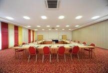 Meeting rooms / Post-Hotel Wuerzburg has a modern conference center, which consists of 6 meeting rooms and can accommodate up to 200 people. Each conference room is equipped with air-conditioning, phone and fax, as well as free projector and Wi-Fi access.