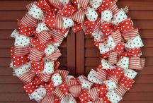Wreaths/Bows  / by Anna Young