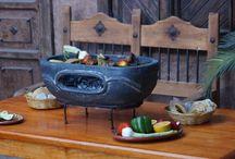 Piece ogrodowe / Piece ceramiczne paleniska, kominki ogrodowe nawiązujące do tradycji meksykańskiej które doskonale spełniają swoją rolę w naszym klimacie i pozwalają spędzać więcej czasu w ogrodzie tworząc miłą atmosferę spotkań z rodziną.