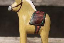 Wooden horses / These sweet horses are handmade in Kenya.