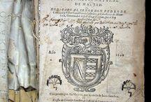 Para algunos / de Matias de los Reyes ... / Matías de los Reyes fou un dramaturg i novel·lista espanyol del segle d'or. Destacà en els relats de la novel·la cortesana. La que presentem Para algunos  es una resposta a la famosa miscel·lània de Juan Pérez de Montalban Para todos, arrel de la publicació de la qual Francisco de Quevedo va escriure  la Perinola, que va donar lloc a una de les polèmiques literàries més àgries del moment.  L'exemplar per apadrinar està incomplet i el volum prové de la biblioteca de Santa Caterina de Barcelona.