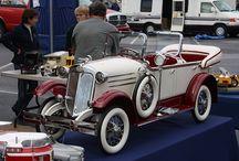 nye og gamle tråbiler