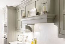 Traditional Cooker Hoods / Extraction Hoods for Traditional Ranges