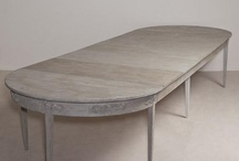 Round/oval table