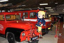Brandweerman Sam / Brandweerman Sam. Hij is lid bij stichting en museum de Historische Brandweer Vrienden en Voertuigen. Zie voor meer info: www.hbvvhs.nl