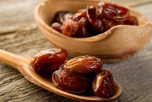 Health Benefits of dates / In Islam, it is the Prophetic tradition to eat dates. These posts will help to explain the wisdom behind this, and explore some of the health benefits to regularly eating dates.