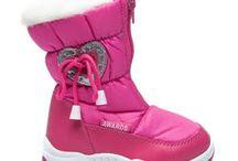 Boty Detská obuv / Obchod cosmopolitus.eu Vám přináší pohodlné dětské boty, vyrobené z nejlepších materiálů. V naší nabídce najdete boty, boty, boty, vaky, boty jaro / podzim - boty, tenisky, tenisky. Zapínání na suchý zip, krajky-up a skluzu. Sandály, žabky, pantofle, boty a další. Vítejte.
