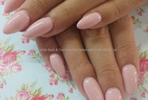 almond nails