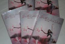 """Die blutroten Schuhe / Alles um meinen Debütroman """"Die blutroten Schuhe"""" erschienen im Oktober 2013 im Machandel Verlag"""