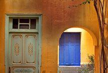 Entryway / doors