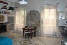 IRIS / Monolocale arredato: ingresso, cucina abitabile, camera da letto matrimoniale, bagno con box doccia. Accesso indipendente. Disponibile come: camera singola, camera doppia, camera tripla, camera quadrupla.