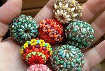 Korálky+háčkované náhrdelníky