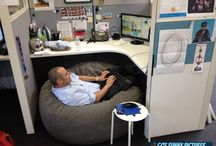 Funny Office Cubicle / Dekorasi cubicle kantor, kumpulan inspirasi agar suasana kantor menjadi lebih seru dan menyenangkan.