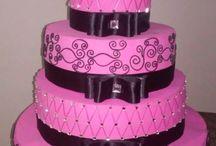 bolo falso / a estrutura é feito de papelão