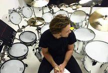 Ashton Irwin / Perkusja