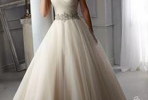 Menyasszonyi ruha / Esküvői ötletek galériája - Menyasszonyi ruha