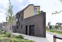 Driehoekwoning / Een woonhuis op een driehoekig kavel met een omgekeerde functie indeling. Zo ziet dat er uit!