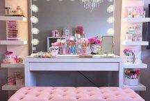 Make-up desks