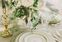 Wedding Day Floral Centerpieces / Inspiration for styling a beautiful wedding table!
