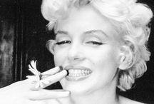 Still gorgeous after death / Divine Marilyn
