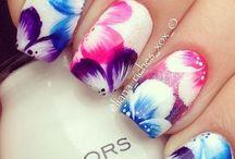 Uñas decoradas con flores - Nails with flowers / Diseños de uñas decoradas con flores con accesorios y muchos colores