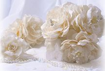 Artificial Flowers / Here is a selection of our artificial silk flowers.