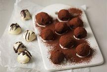 Suklaiset herkut / Syntisen herkullisia reseptejä suklaanystäville