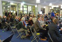 BUCH-raadsavond / De gemeenten Bergen, Uitgeest, Castricum en Heiloo (BUCH) doen onderzoek naar mogelijkheden op samenwerking. Op woensdag 22 januari werden de bevindingen gepresenteerd in een geanimeerde raadsavond voor alle vier de gemeenteraden in het gemeentehuis van Castricum. Er waren ook nog filmpjes!  BUCH in beeld: http://www.youtube.com/watch?v=rYaA6nOYgag  Wat vinden zij?: http://www.youtube.com/watch?v=ckvrDLKkYEA