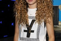 Rocking them curls