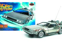 Polar Lights Back to the Future™ DeLorean model kits / Polar Lights brings back another popular movie car, the Time Machine made famous in Back to the Future.