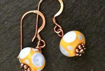 Pärlmakeriet örhängen / Örhängen med handgjorda glaspärlor från Stockholms Pärlmakeri