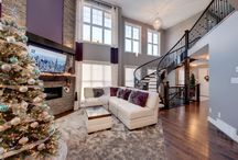 Natural Light and Holiday Decorations / Inspiring ideas for a new home.
