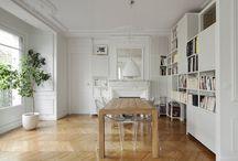 Office   Inspiração / Tranquilo, enérgico, acolhedor ou clean. O espaço do escritório deve ser decorado de acordo com a personalidade de quem o usa, o que todos concordamos é que o piso de madeira é unanime entre todos os estilos.  #BonaBrasil #pisodemadeira #woodfloor #architecturelovers #designinterior #inspiração #decoração #inspiração #decor #decoration #floor #madeira #arquitecture #arquitetura #piso #projeto #decoraçãodecasa #contemporary #wooden #woodlovers #office #homeoffice #escritório #homework #work