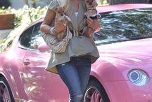 Super Paris Hilton