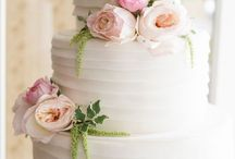 Spring Wedding Cakes / Our favorite spring wedding cakes