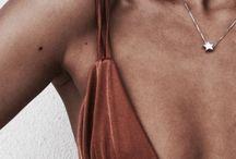 Bikinis  / Obssecion