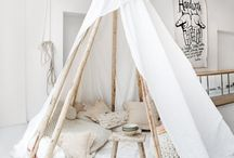 Tee Pee + Reading Nooks / Home Reading nooks, and hideaway tee pees. I need my quiet time!