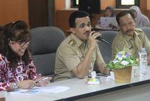 Wabup Hadiri Pembinaan GSI Tingkat Provinsi / Wakil Bupati (Wabup) Kepulauan Seribu, M Anwar menghadiri acara pelaksanaan pembinaan Gerakan Sayang IBU (GSI) Tingkat Provinsi DKI Jakarta di ruang pola Gedung Pemkab Kepulauan Seribu, Pulau Pramuka, Selasa (10/8/2015).  Dalam kesempatan tersebut dirinya menghimbau, sinergikan kegiatan-kegiatan yang ada di UKPD masing-masing dan Kaum ibu perlu mendapatkan perhatian dalam persalinan.(Foto: Sudin Kominfo dan Kehumasan Kepulauan Seribu)