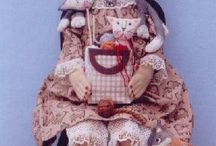 PRIMITIVE DOLLS AND CRITTERS / by Nancy Laboa