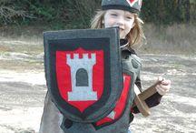 рыцари, мечи и щиты